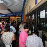 """Gobierno vuelve a subir el saldo de su """"tarjeta de crédito"""""""