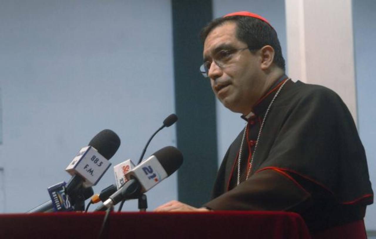 El Arzobispo de San Salvador, José Luis Escobar Alas en conferencia de prensa. Foto/ Archivo