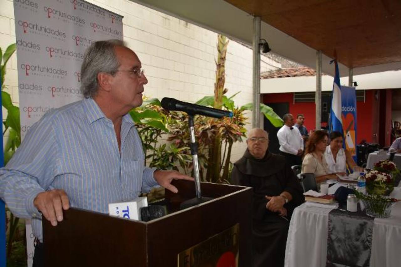 El presidente de la Fundación Gloria de Kriete, Roberto Kriete, expresó que la educación es una área importante para combatir la desigualdad de oportunidades. foto edh / CRISTIAN DÍAZ