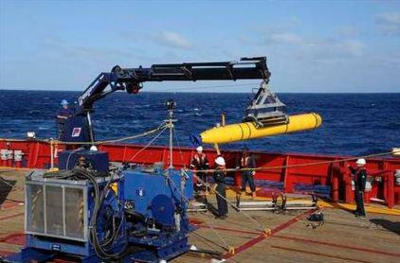 El vehículo submarino autónomo Bluefin 21 a bordo del barco australiano Ocean Shield.
