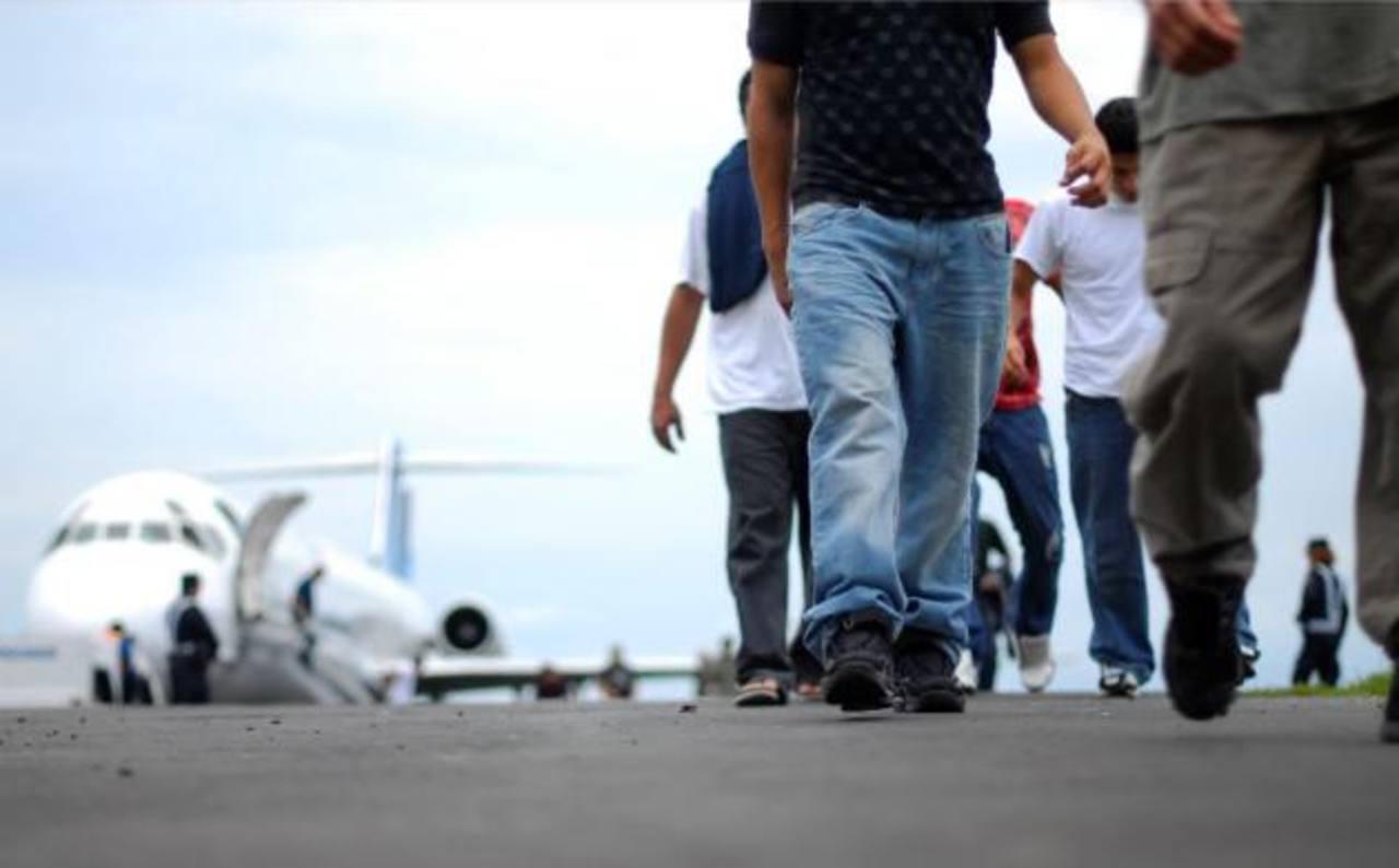 """Salvadoreño detenido en frontera: """"Tengo miedo de volver a mi país"""""""