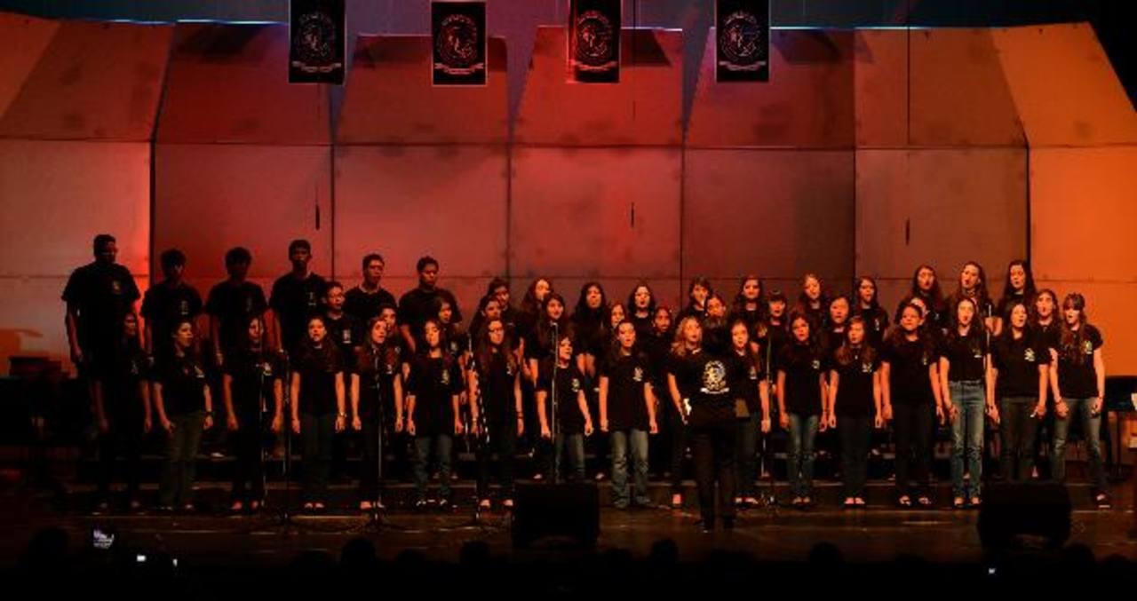 Estudiantes de diferentes centros educativos se unieron para compartir talentos. Foto EDH / Ericka Chávez