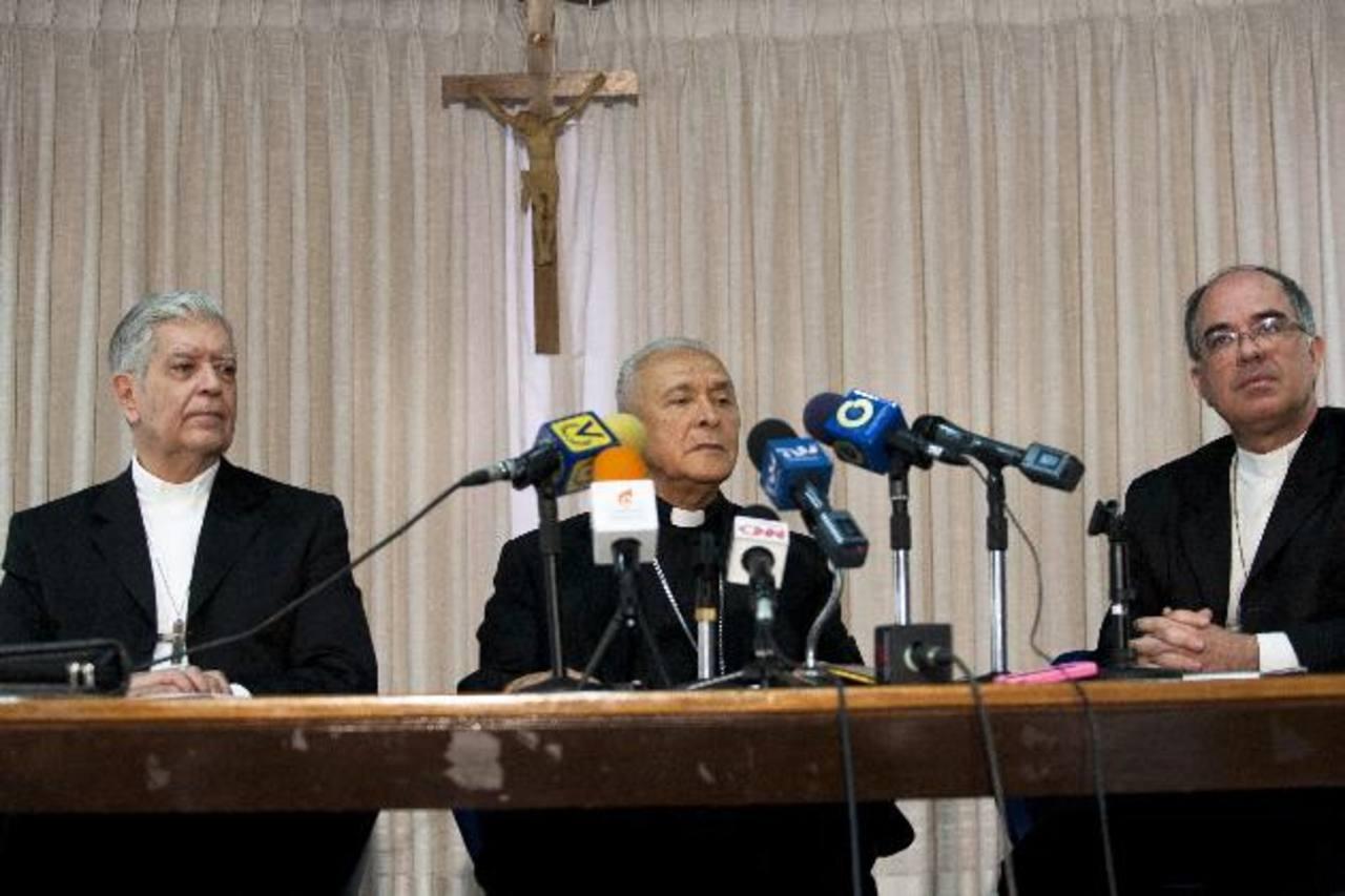 Monseñor Diego Padrón Sánchez (d), presidente de la Conferencia Episcopal Venezolana , y Jorge Urosa, arzobispo de Caracas.