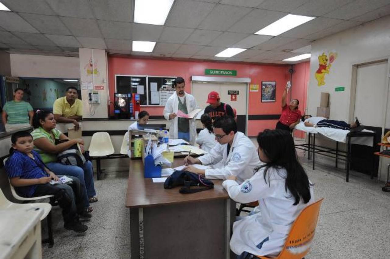 Todos lo años reciben una capacitación para atención de emergencias en Semana Santa. foto edh / JENNY VENTURA.