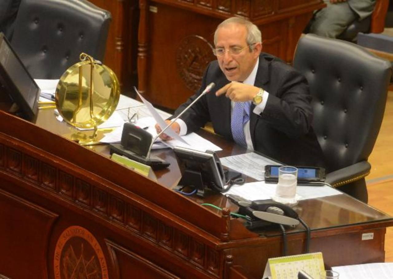 El presidente de la Asamblea Legislativa, Sigfrido Reyes, lideró la comisión que viajó a Nicaragua a demandar a la Sala de lo Constitucional en julio de 2012. Foto EDH / Archivo