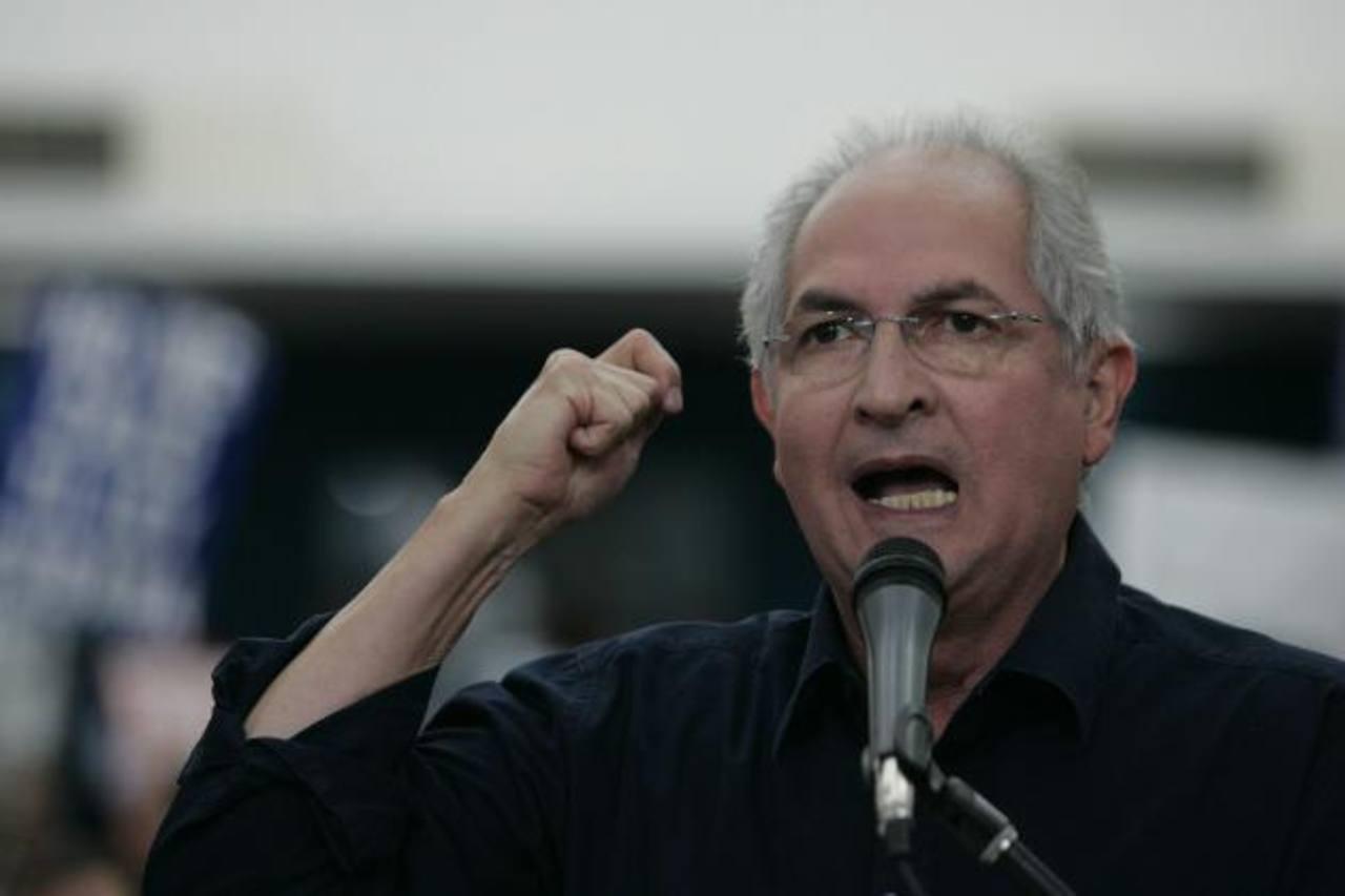 """El alcalde de Caracas dice que la """"dictadura"""" se enfrenta contra un pueblo que es """"democrático"""". foto edh / efe"""