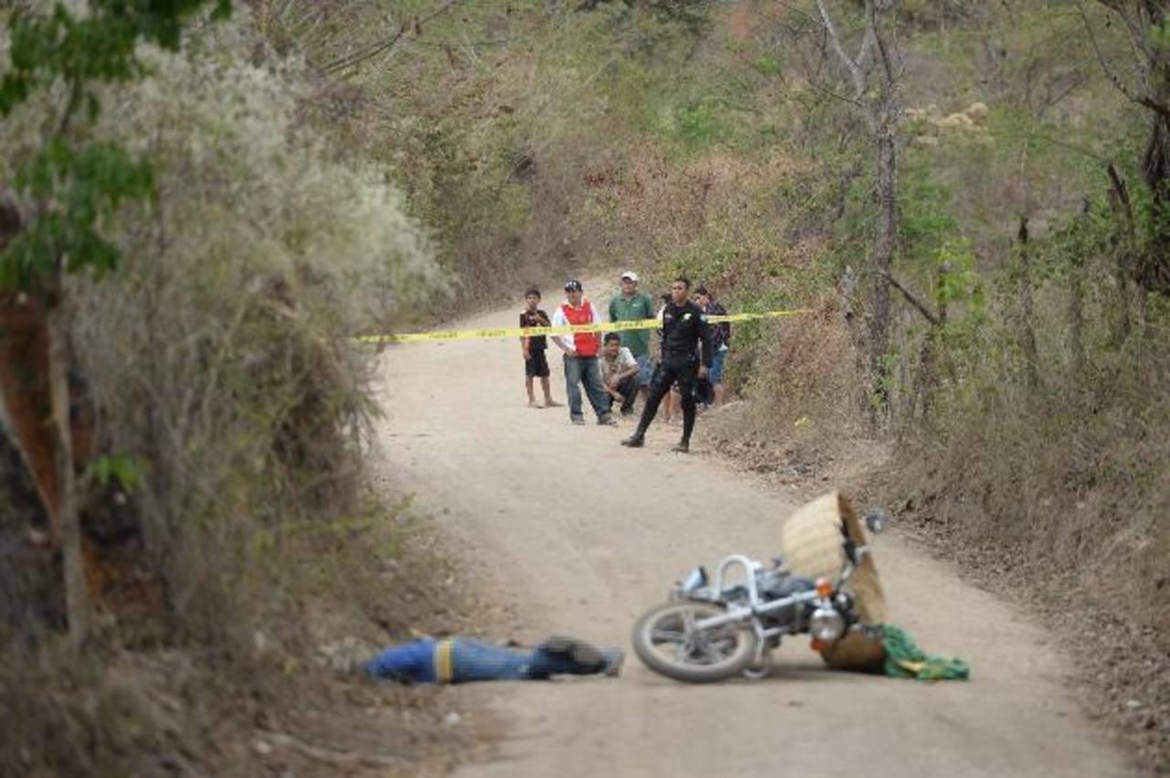 Napoleón Cornejo fue ultimado en el cantón Tenango de Suchitoto. Foto EDH / Marlon Hernández