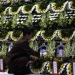 Funeral de los niños fallecidos en el barco hundido. Foto Reuters