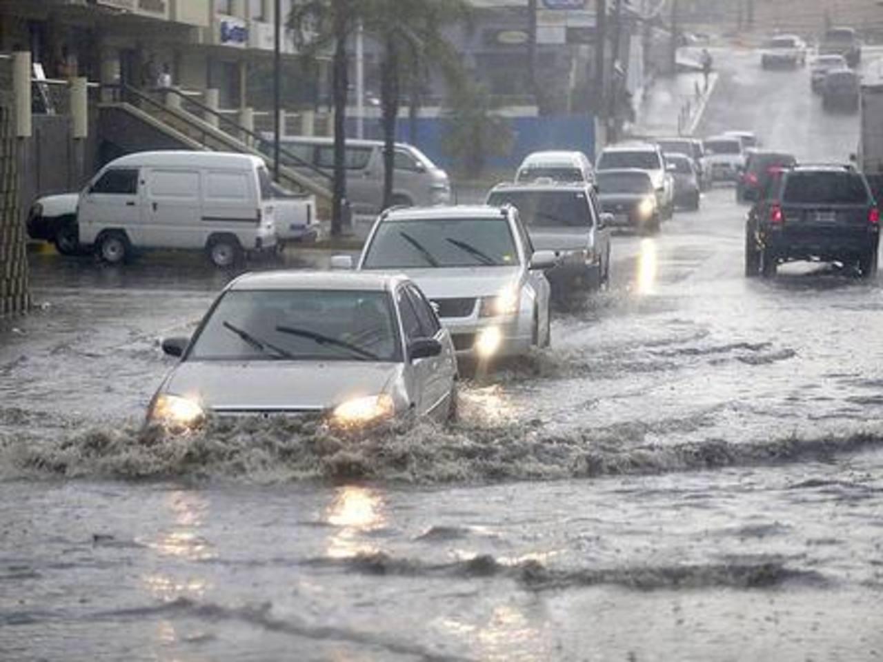 Lluvia y vientos causan daños en Honduras