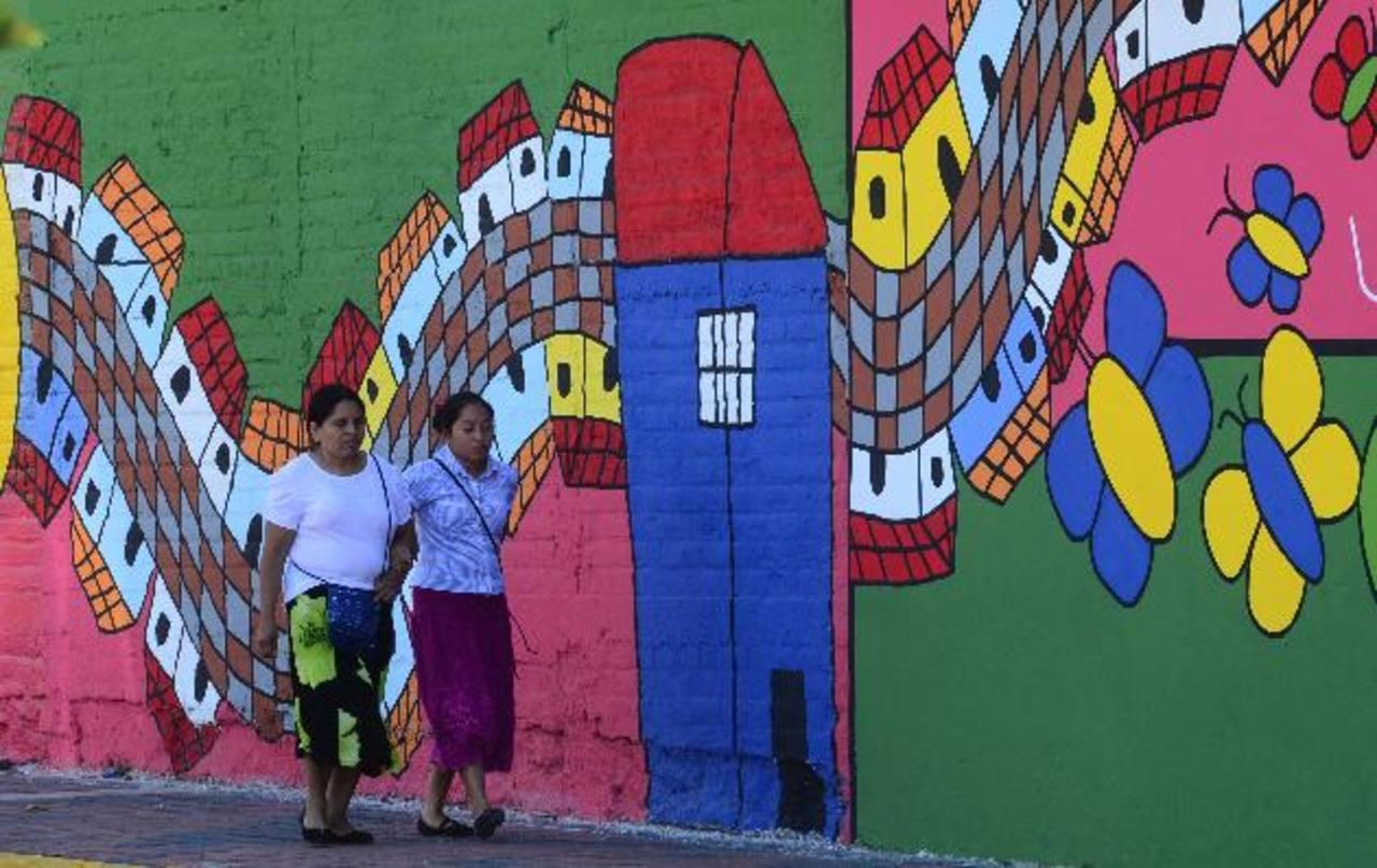Diseño por la Fundación Fernando Llort con elementos de los niños de la Escuela de Educación Especial de Santa Tecla. Foto EDH/ O. Carbonero