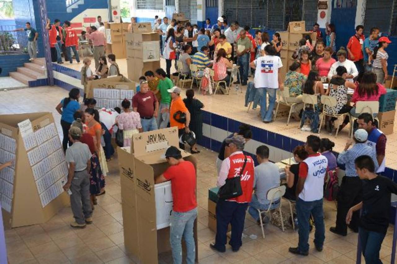 """El voto residencial será extendido a todo el país en estas elecciones, además elimina los centros de votación """"bolsones"""", donde están votantes con direcciones inexactas. Foto EDH /archivo"""