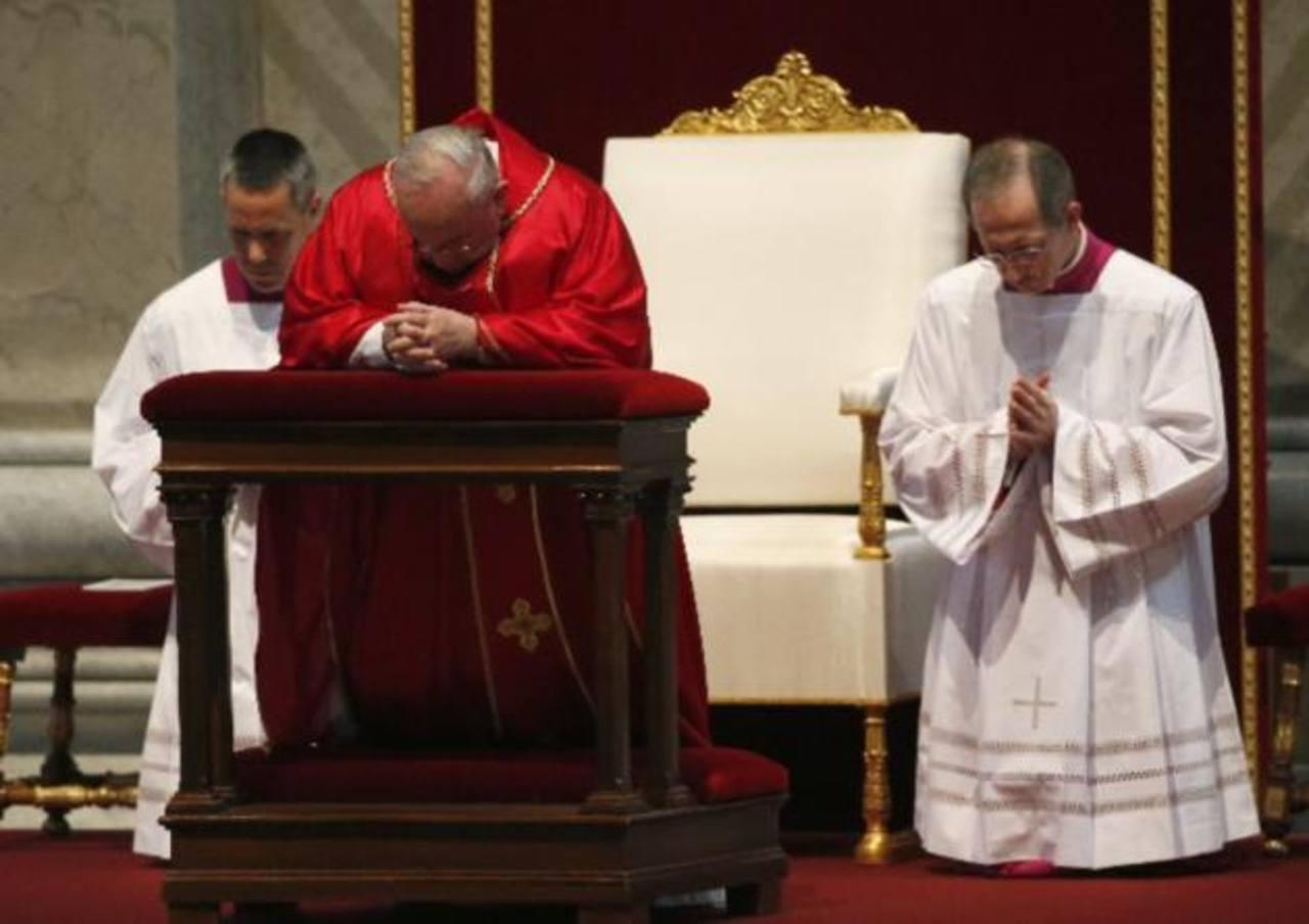 El papa preside el rito de la Pasión de Cristo y el Via Crucis en el Coliseo