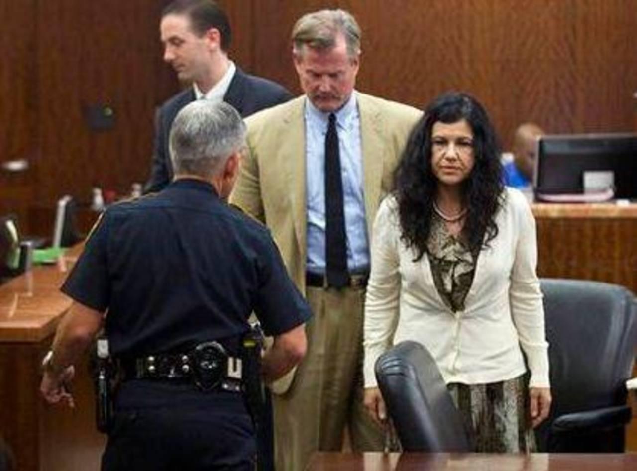 Ana Trujillo en el tribunal después que fue hallada culpable de matar a su novio con el tacón de su zapato en Houston, el 8 de abril del 2014.