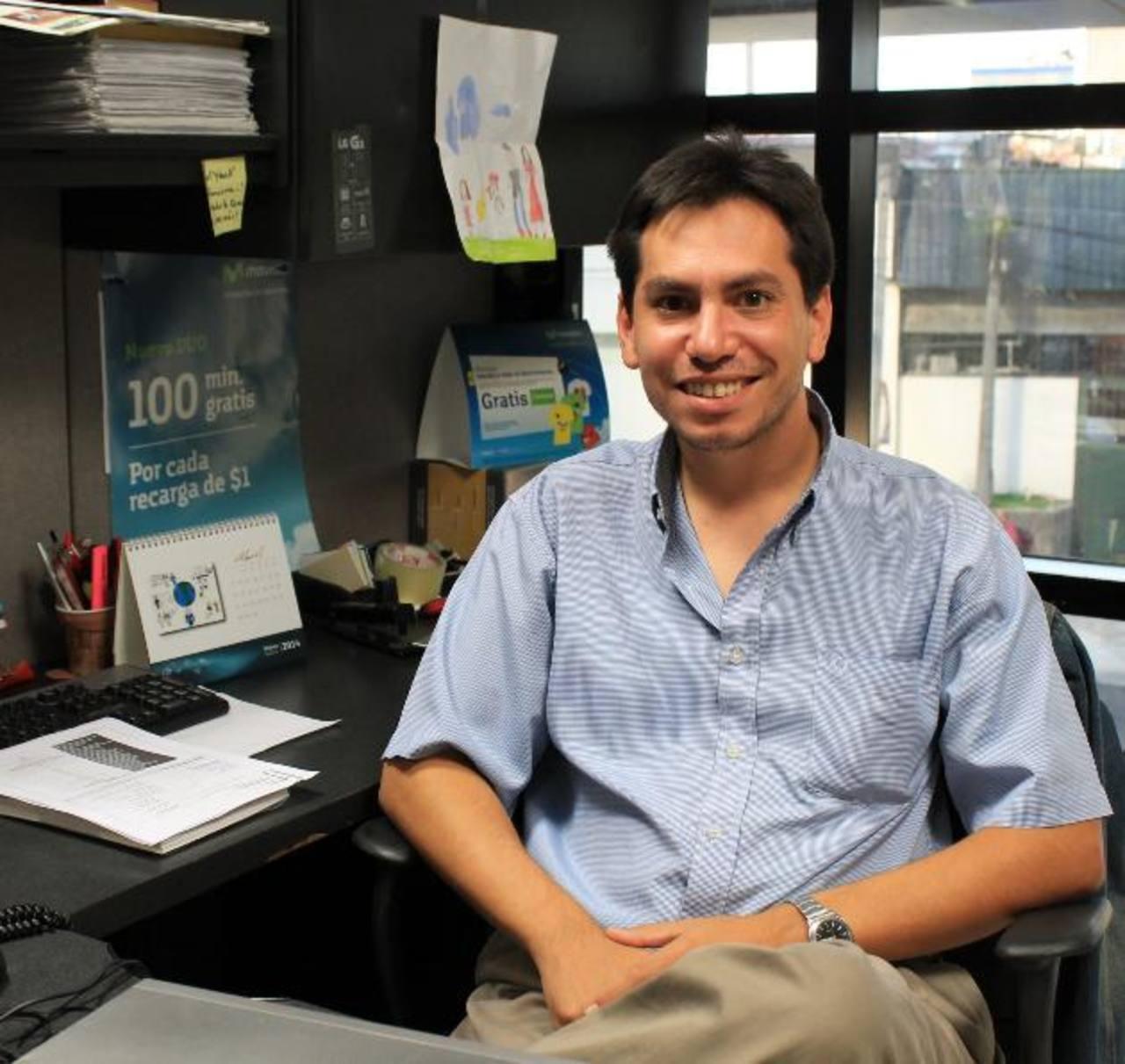 Jaime García, gerente de servicios de valor agregado y datos de Telefónica, explicó la nueva oferta. FOTO EDH / Cortesía