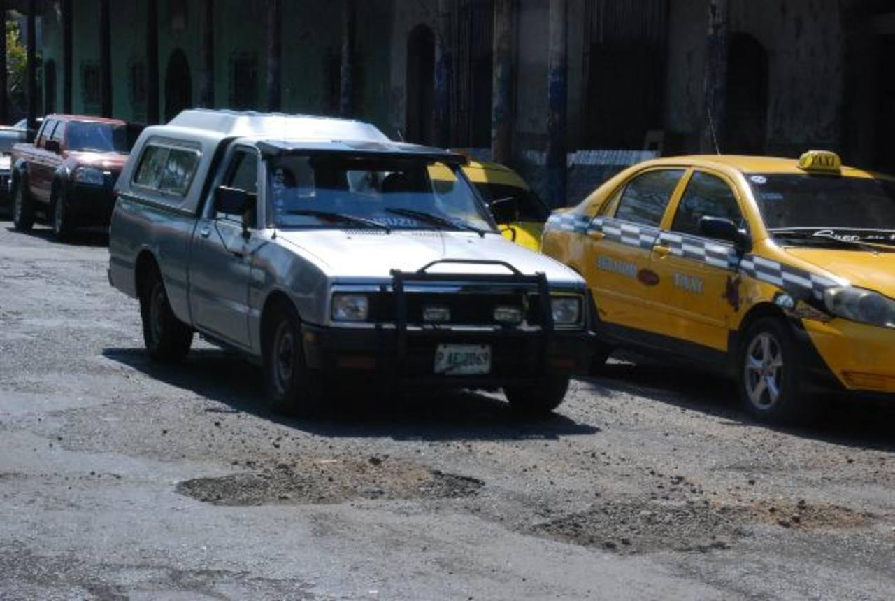 La imagen corresponde a la Octava Calle, frente a la Cancha Álvarez en la cabecera migueleña. foto edh / Carlos Segovia