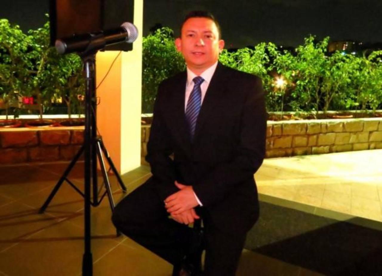 José Guerrero es el conductor del programa y además se ha desarrollado como cantante. Foto edh /Cortesía