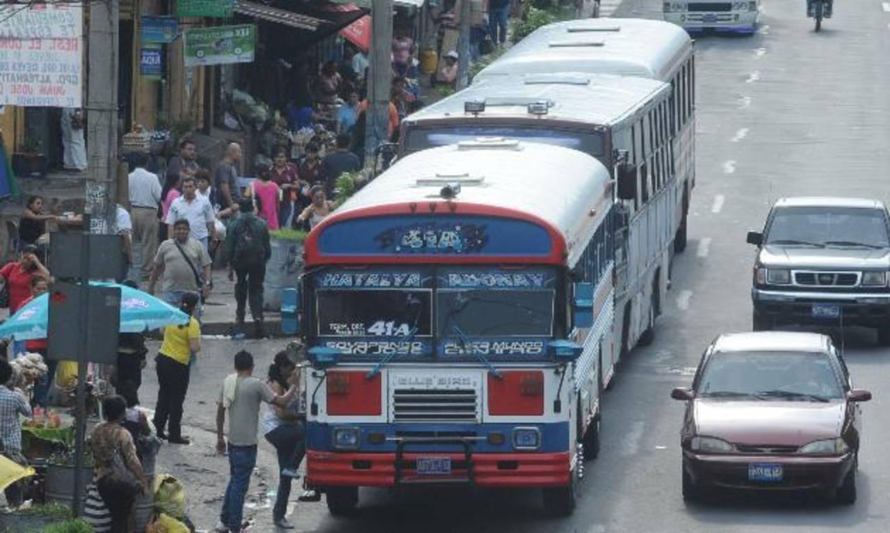 Las actduales 51 rutas seguirán dando el servicio, pero con diferente recorrido. Al menos tres paradas del Sitramss, de las ocho, llevan más del 90 % de avance.