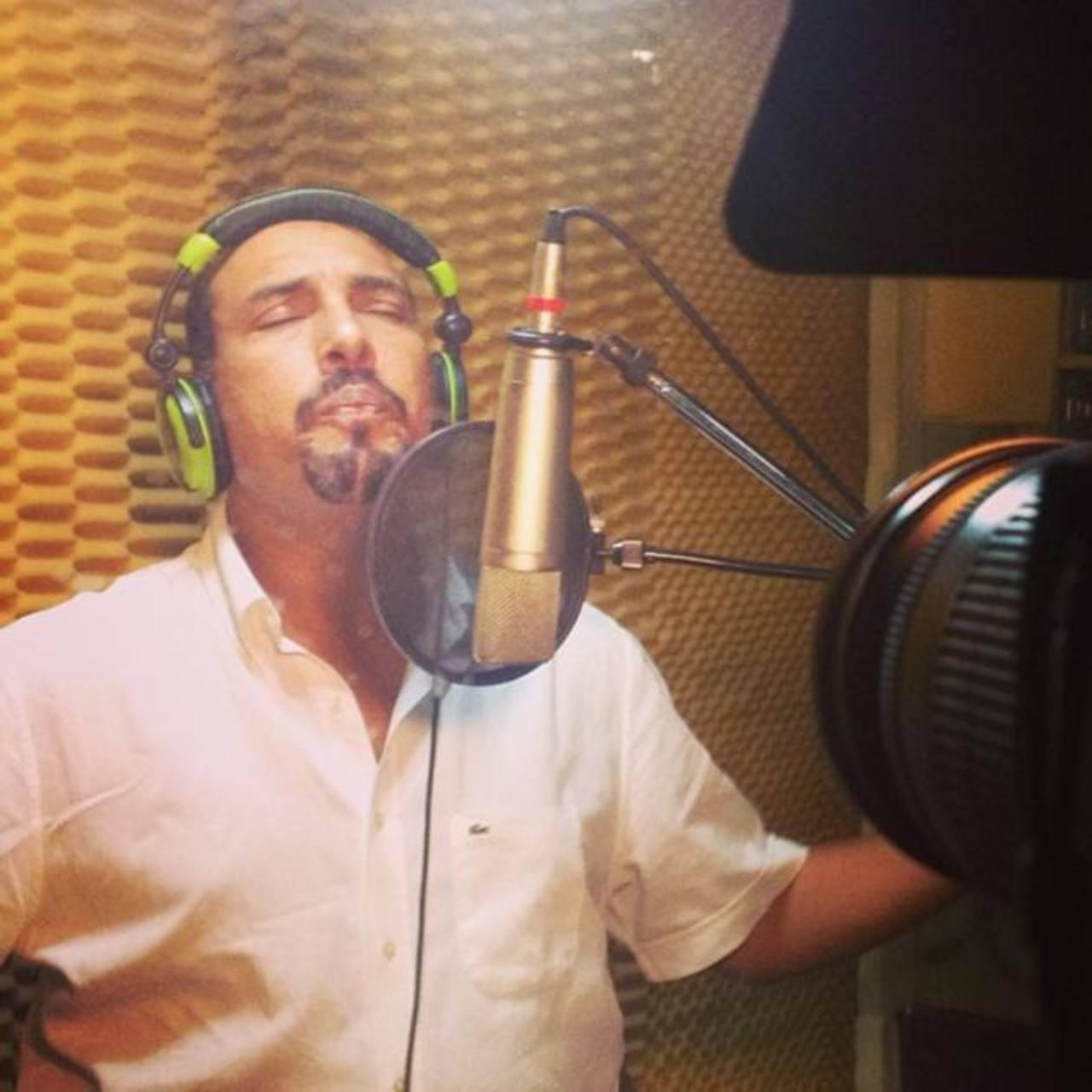 Omar Angulo en la grabación de la Festa do Mundo en RFRecords. FOTO EDH Cortesía Omar Angulo.