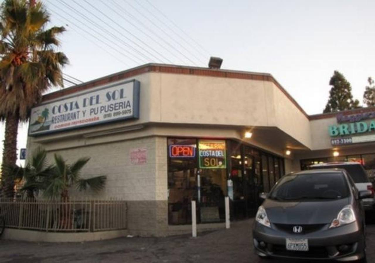 Este es el restaurante donde la pareja acusada presuntamente obligaba a la niña salvadoreña a trabajar cuatro días a la semana.