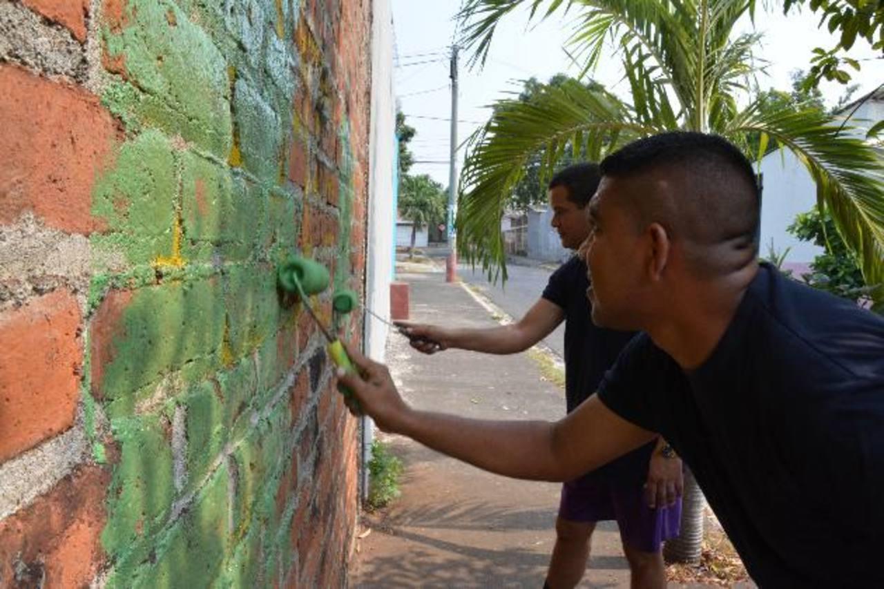 Vecinos temen represalias por limpieza de grafitos en colonia