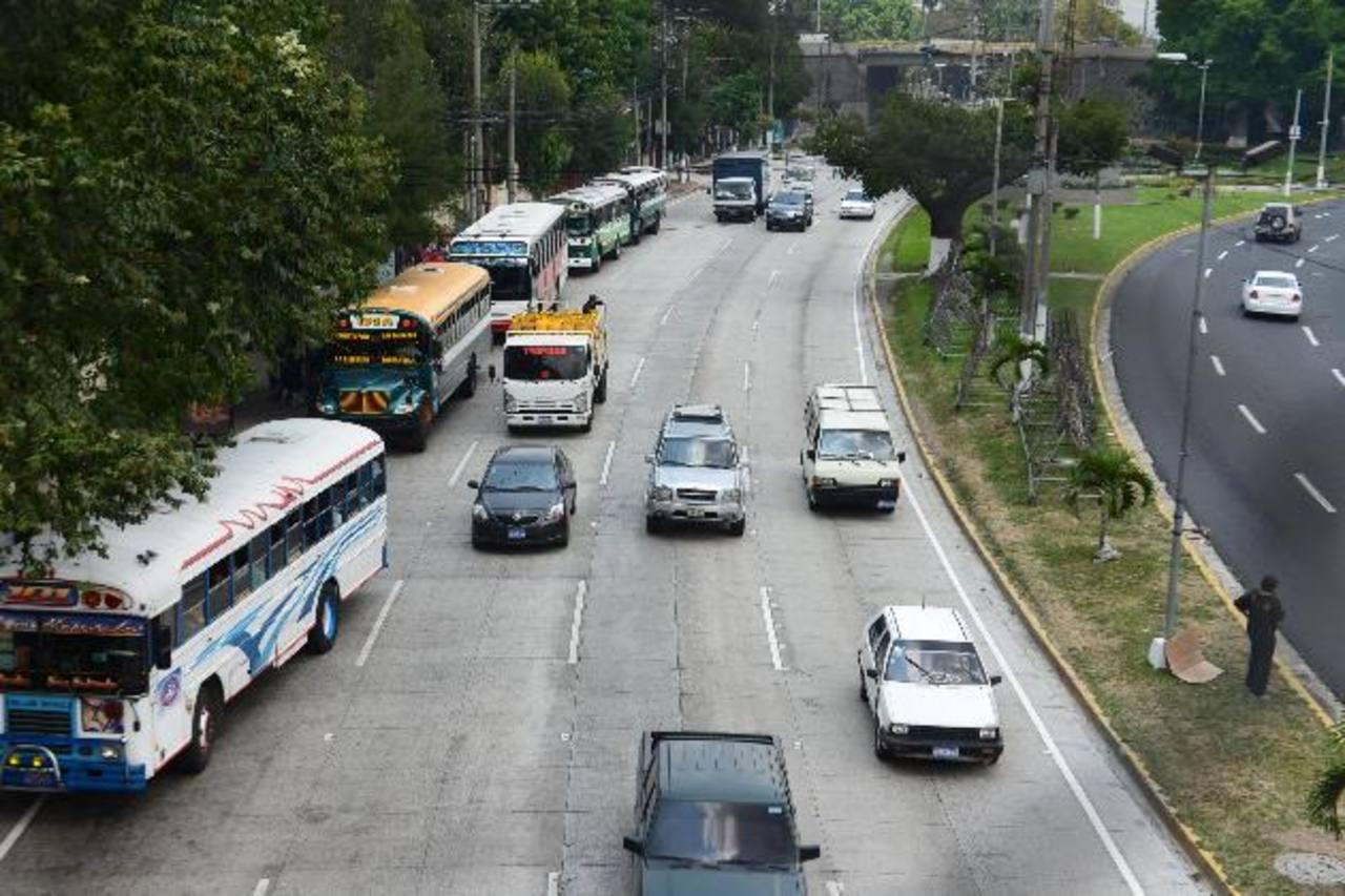 Restringirán tráfico vial para los que vienen de Santa Tecla en zona de la Ceiba de Guadalupe
