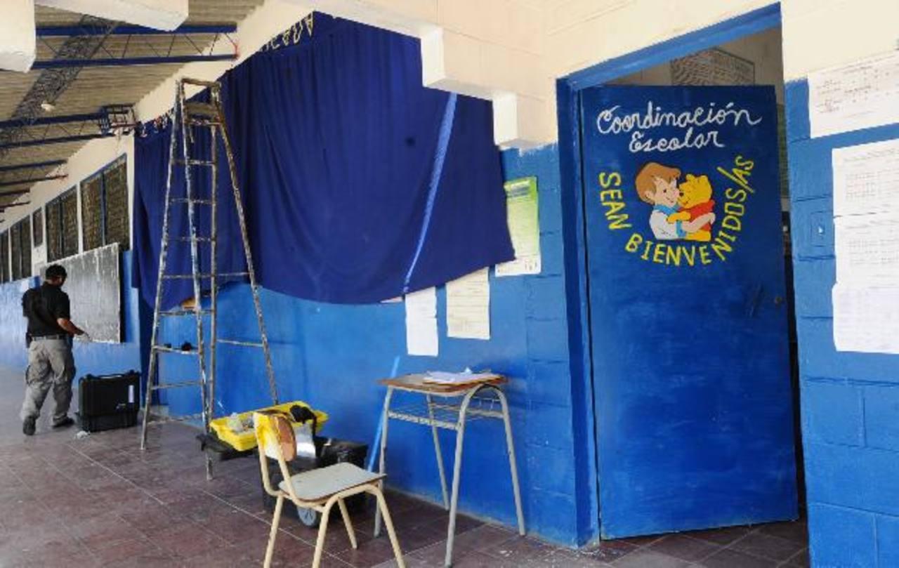 La falta de vigilancia y una infraestructura inadecuada hacen vulnerables a los centros escolares de la zona rural. Foto EDH / Archivo