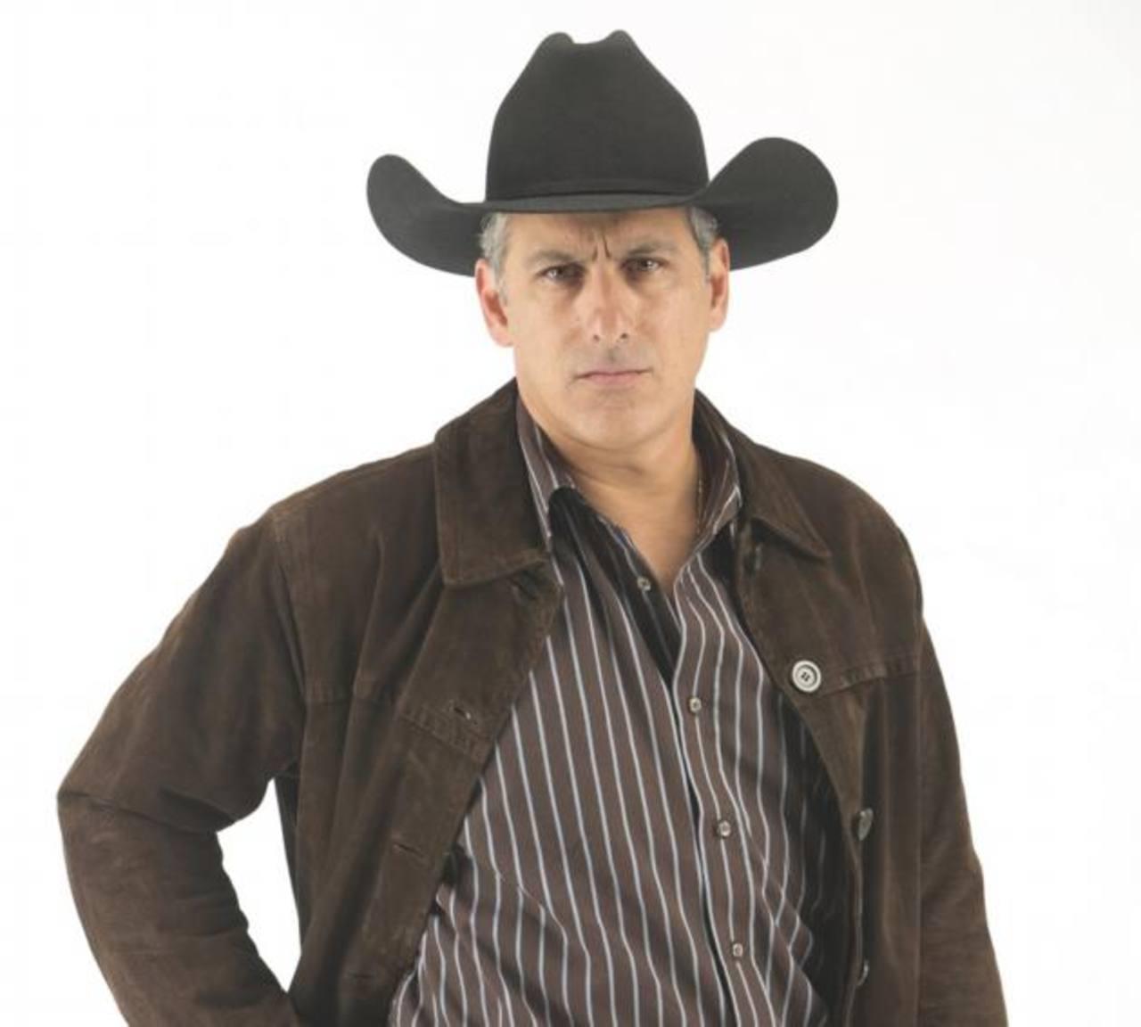 """Julio Bracho: """"Los latinos estamos de moda"""""""