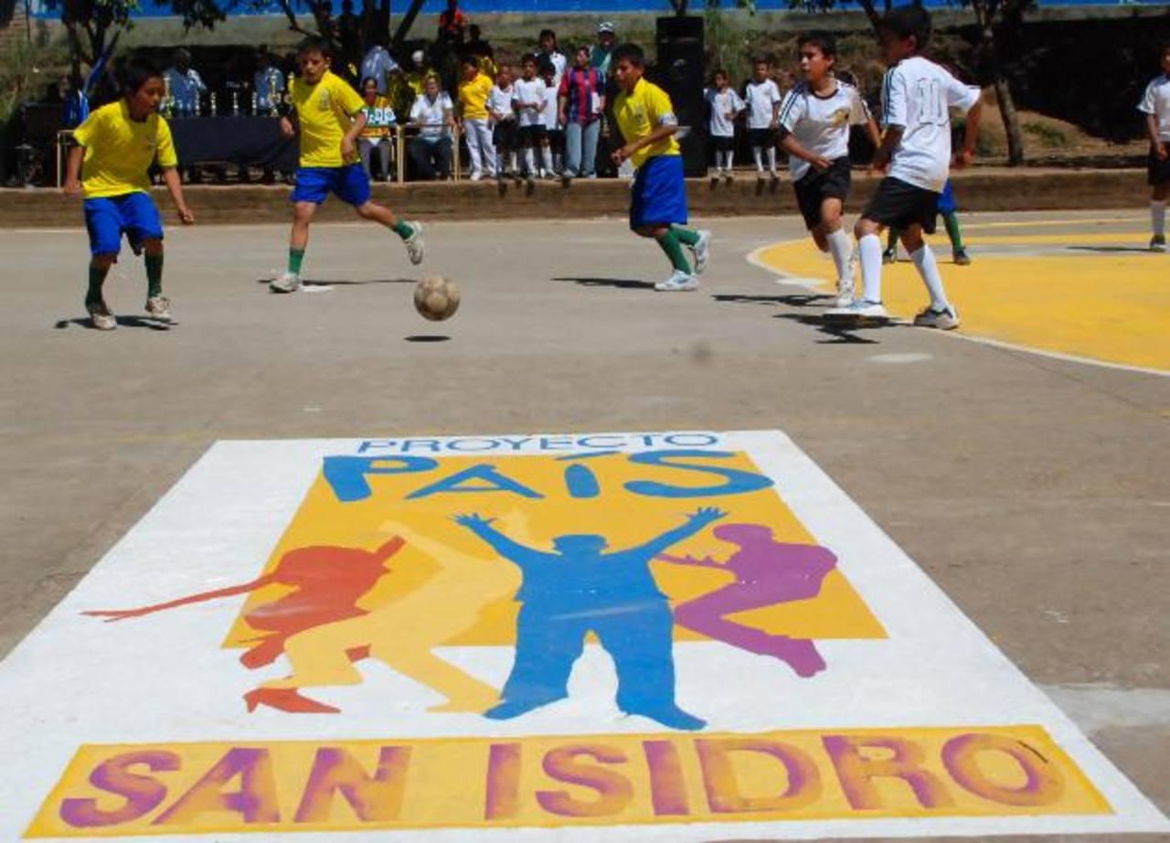 El programa ha incluido actividades deportivas y de sano esparcimiento. Foto EDH / archivo