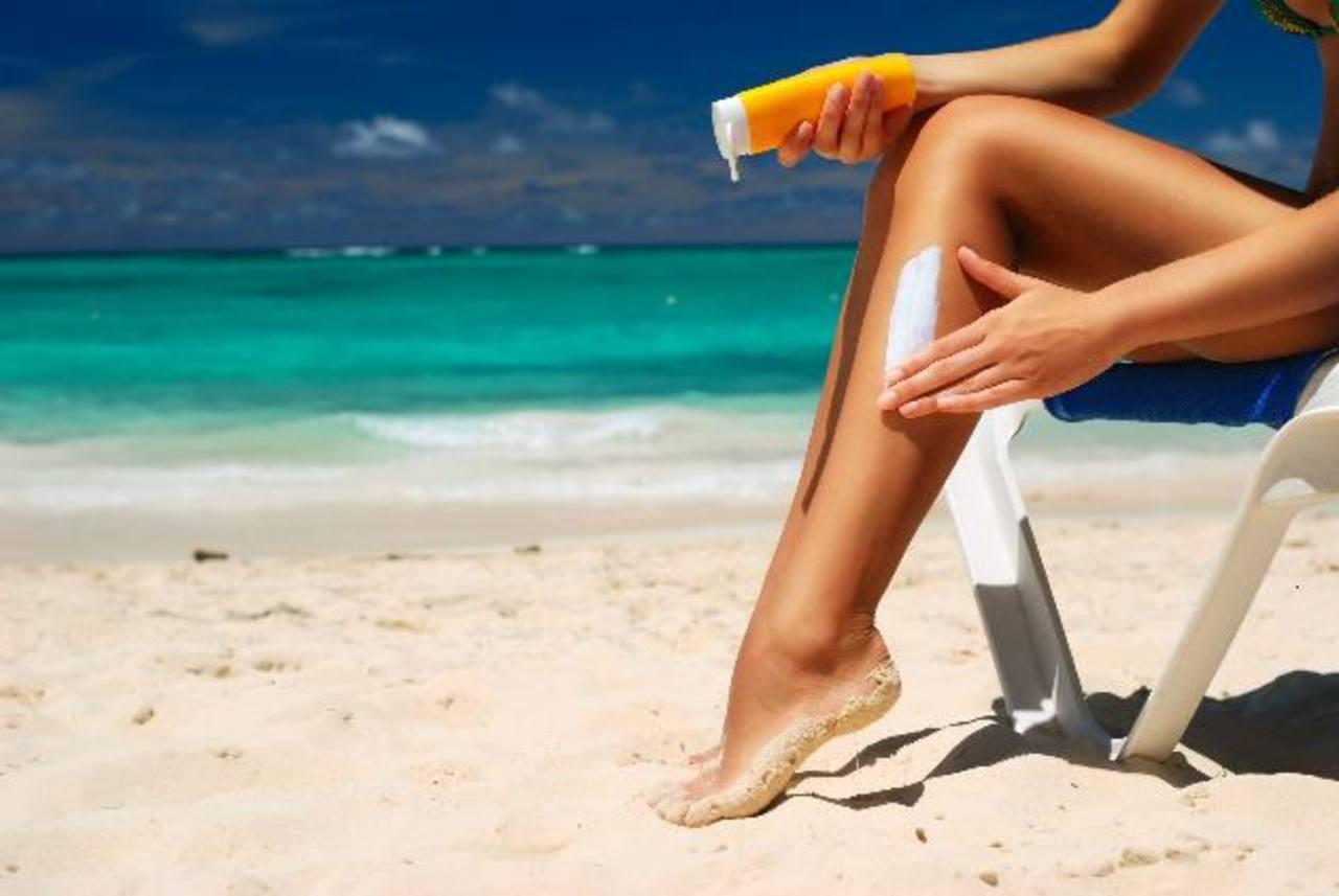 Asegúrese de emplear un protector solar con un factor de 30, como mínimo. Foto EDH