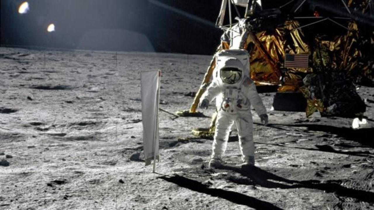 Hasta ahora sólo Estados Unidos ha llevado vehículos conducidos por el hombre a la Luna, en misiones Apolo XV, XVI y XVII.