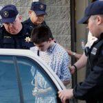 Alex Hribal mientras era trasladado al centro de readaptación juvenil.