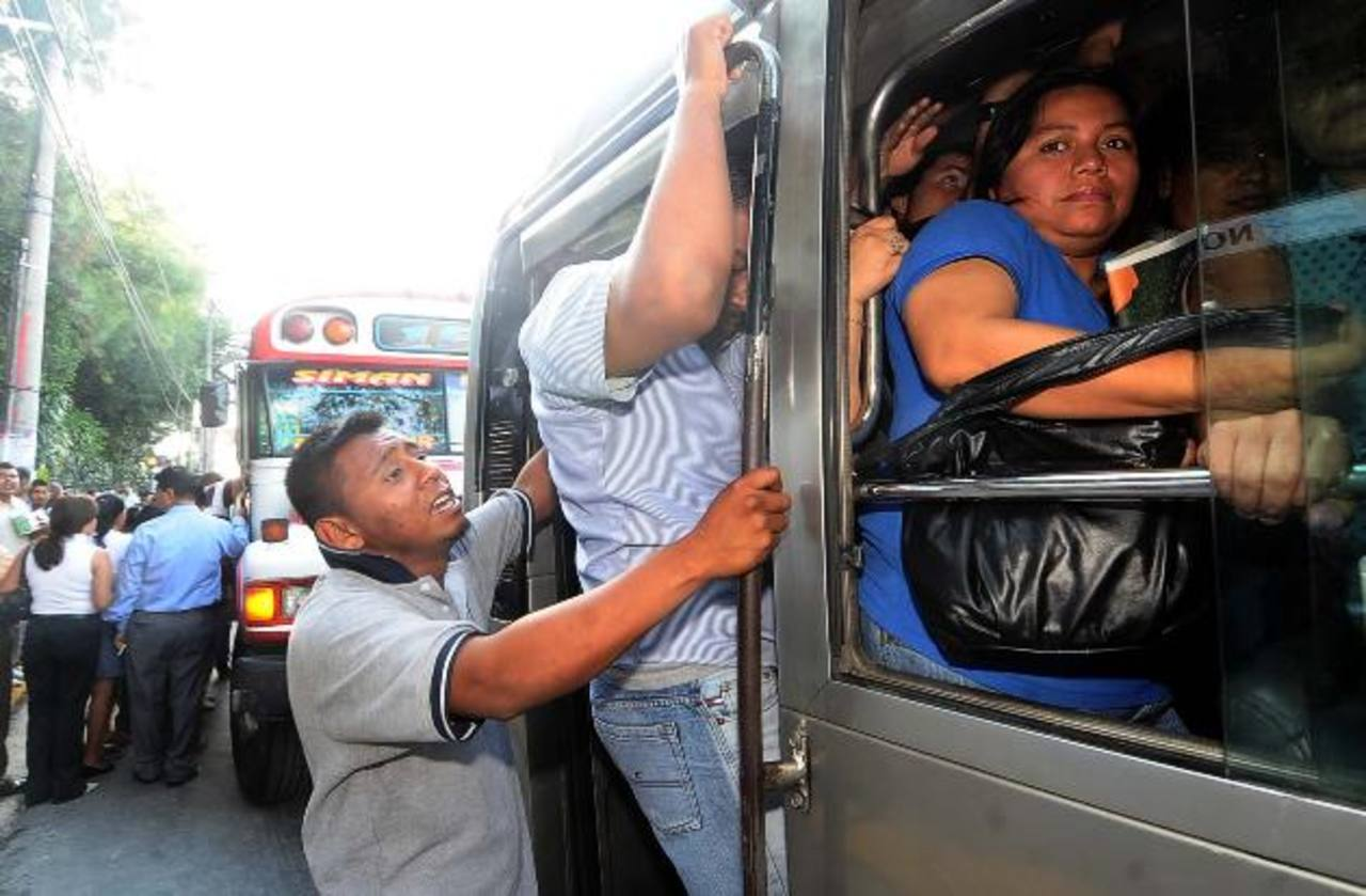 Intento del VMT para eliminar el subsidio al transporte.