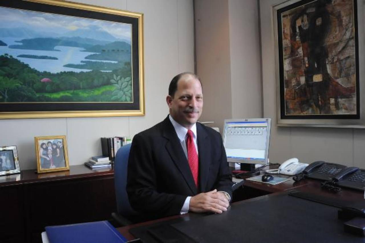 Eduardo Montenegro, nuevo presidente de ASES