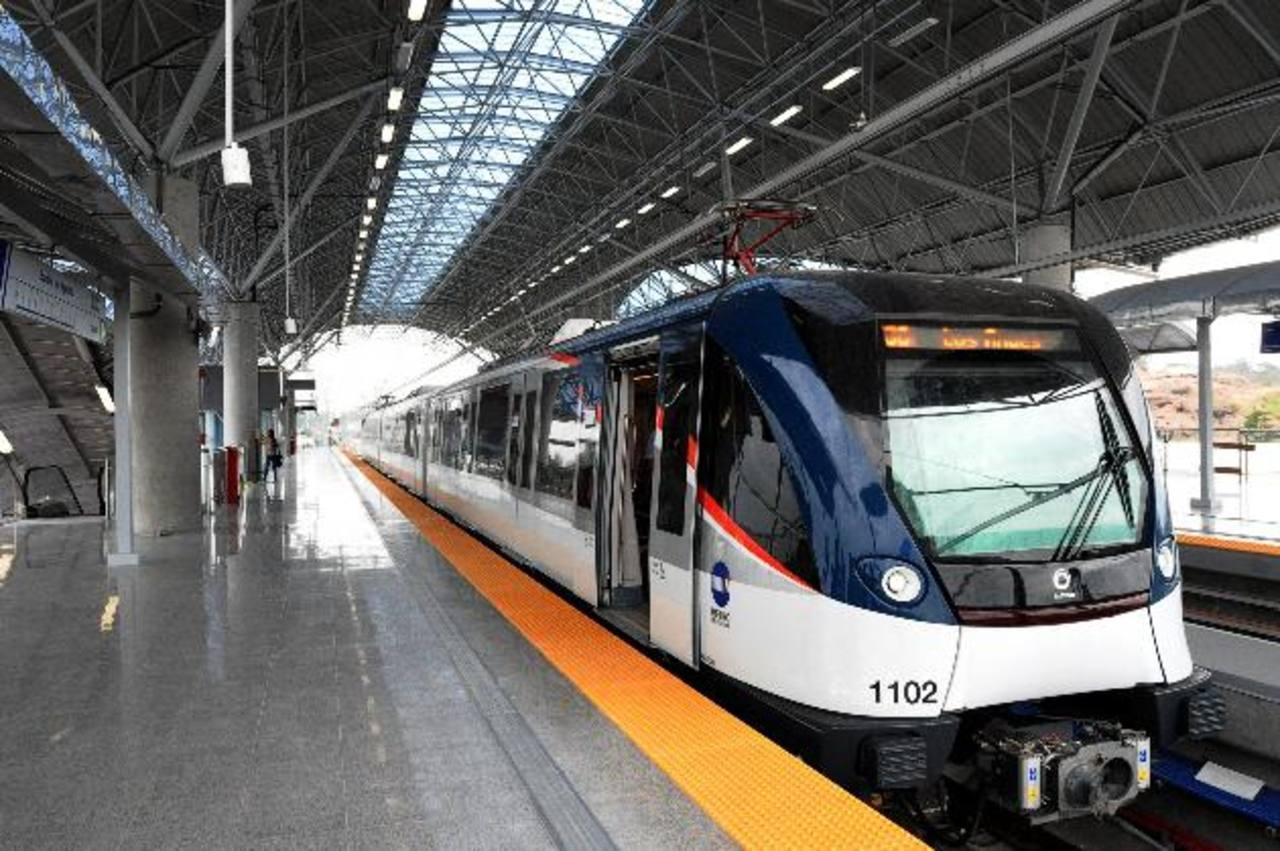 El metro panameño opera desde el pasado domingo.