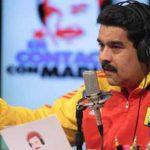 El gobernante Nicolás Maduro explica en su programa radial algunos puntos de su plan económica. foto edh / internet
