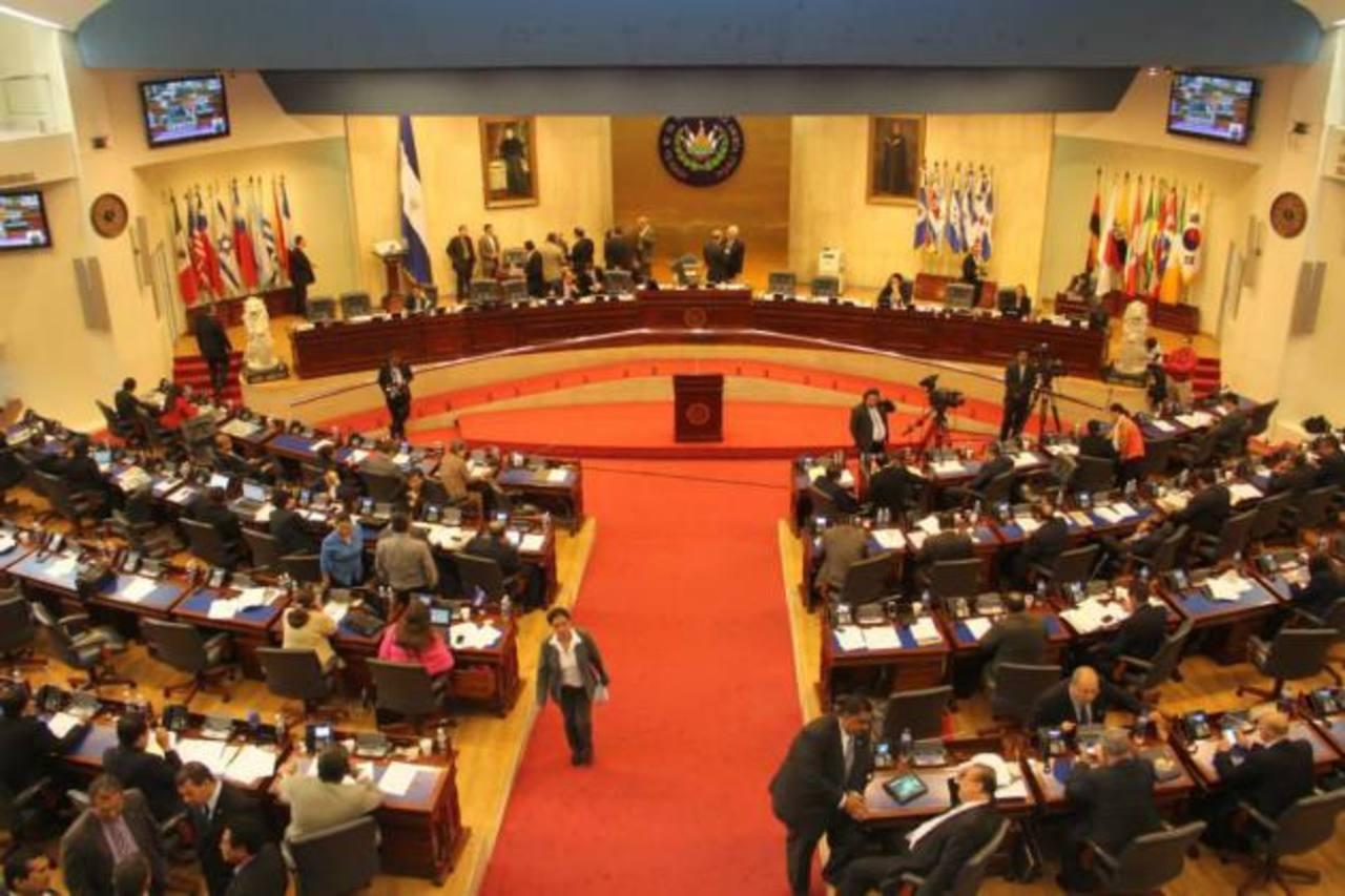 Diputados aprueban préstamos que suman $75 millones