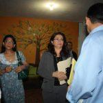 La fiscal adjunta, Paula Velásquez (a la izq.) participó el procedimiento. Foto EDH / Fiscalía