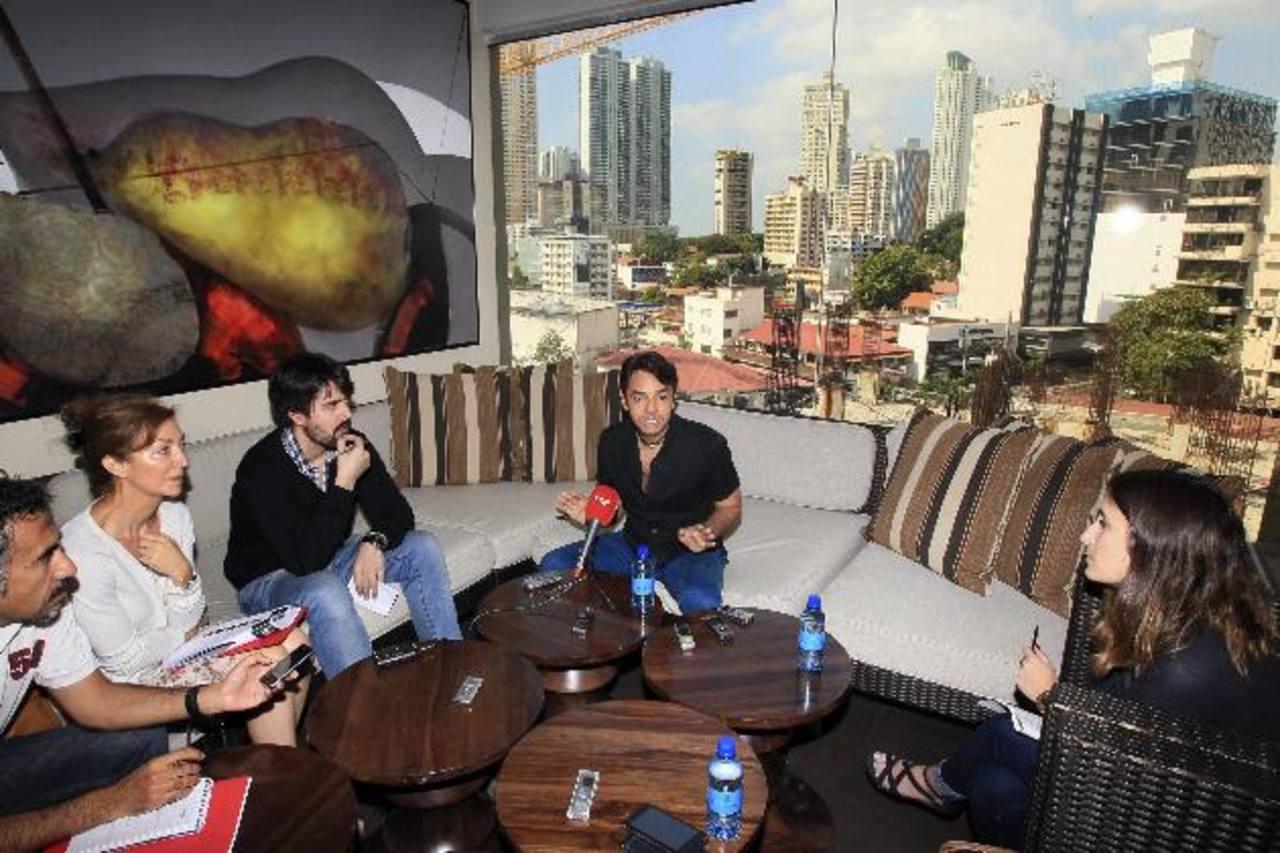 Eugenio Derbez durante conferencia de prensa, antes de los Premios Platino, en Panamá.