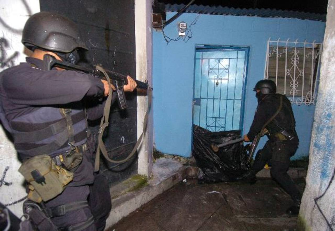 Con la contribución de la Asociación Nacional de la Empresa Privada (ANEP), la División elite contra el Crimen Organizado (DECO) se convirtió en la unidad especializada de investigación de la Policía más eficiente en el combate de los secuestros. Fot