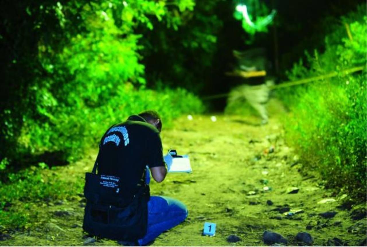 Matan a tres y huyen en lancha en Usulután