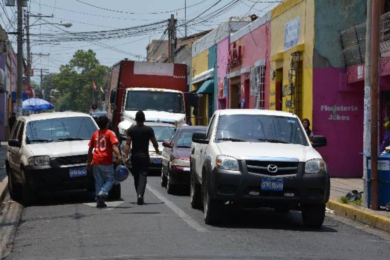 La Avenida Independencia es la más afectada por la situación, ya que las zonas más críticas son las calles angostas. Foto edh / Cristian DÍAZ