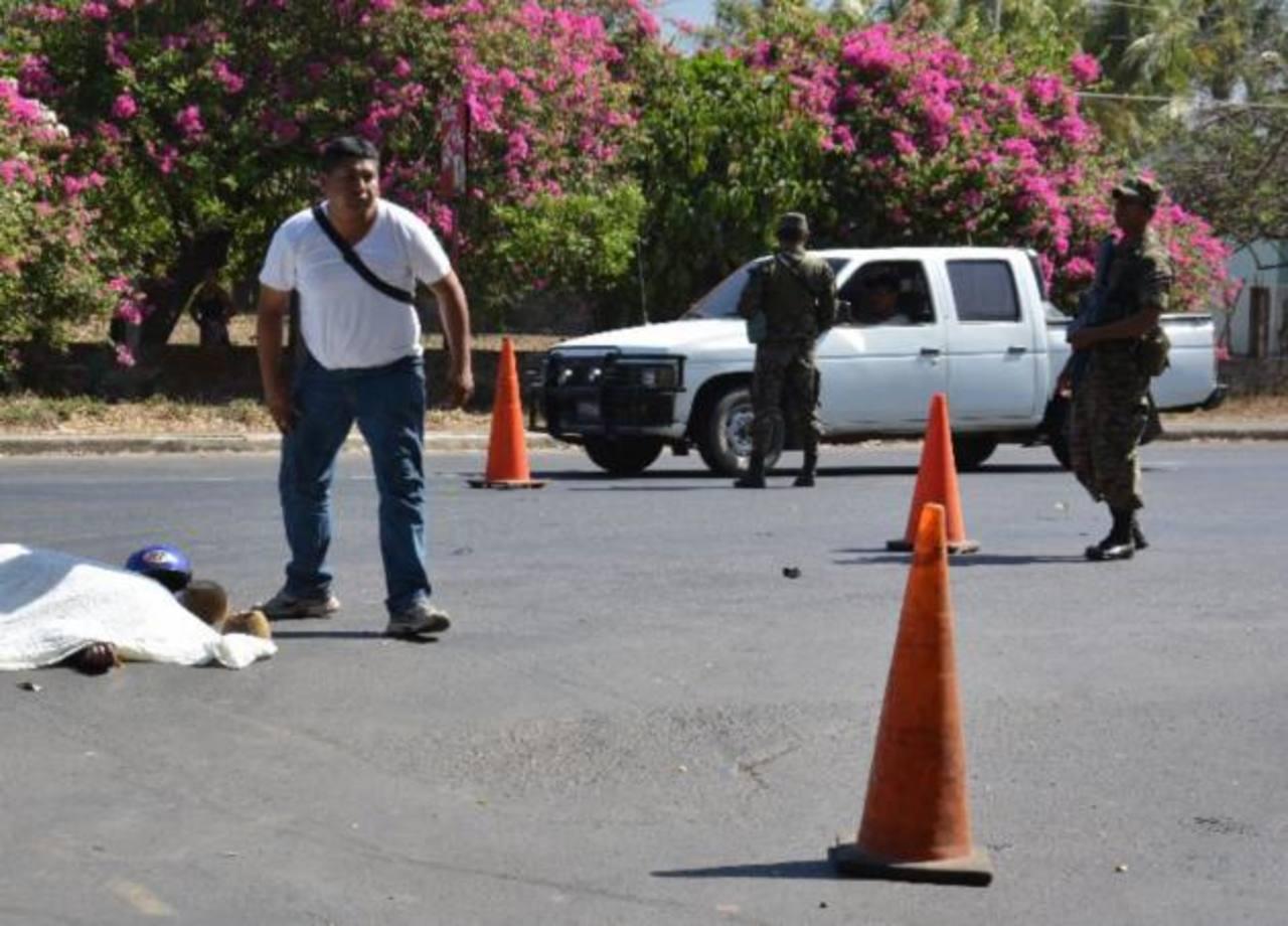 Al menos 77 muertos por violencia y accidentes en Semana Santa en El Salvador