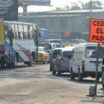 Los automovilistas que se dirijan de Santa Tecla a San Salvador tendrán que continuar por el carril habilitado en la Ceiba.