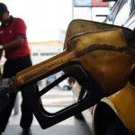 A partir de hoy hay variaciones a la baja, tanto en gasolinas como en el diesel. Foto edh / archivo