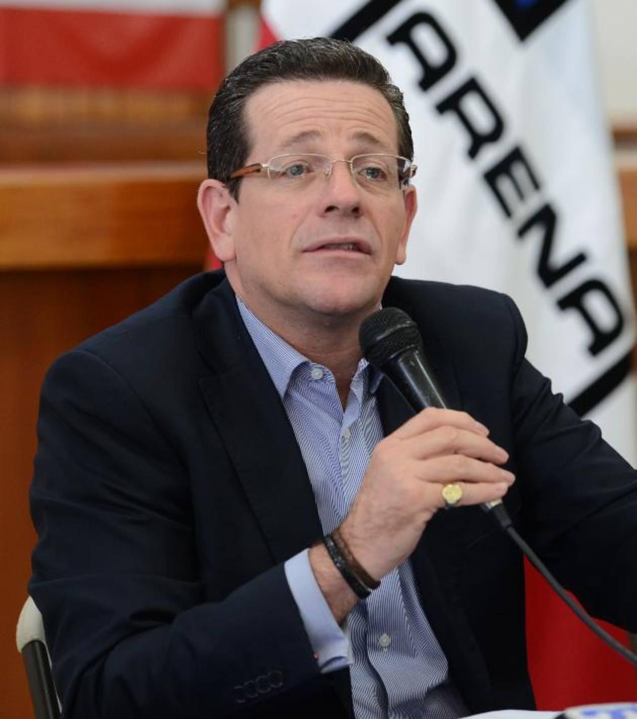 Jorge Velado, presidente del Coena, dijo que desconoce el paradero de Francisco Flores.