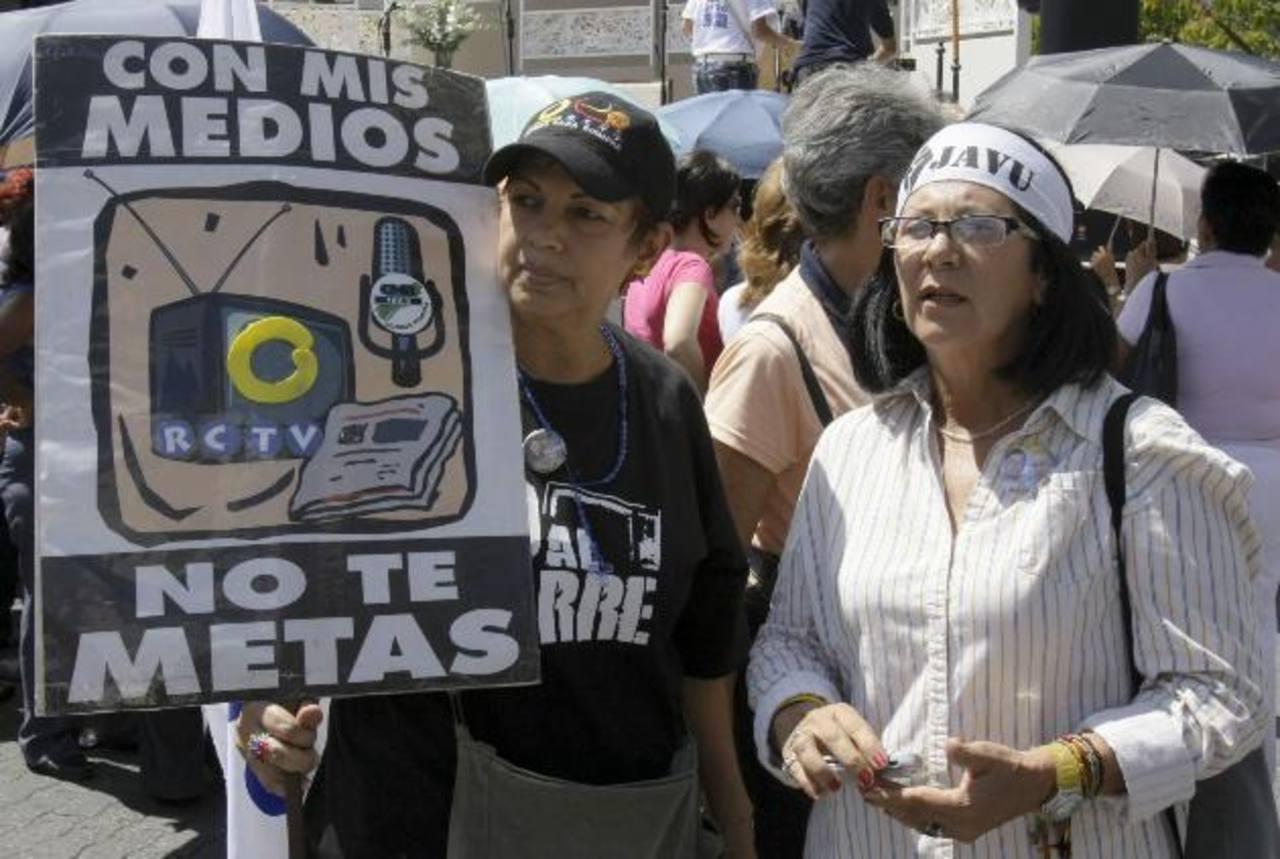 Empleados del canal de televisión, cerrado en la gestión de Hugo Chávez, protestaron contra la medida. foto edh / archivo