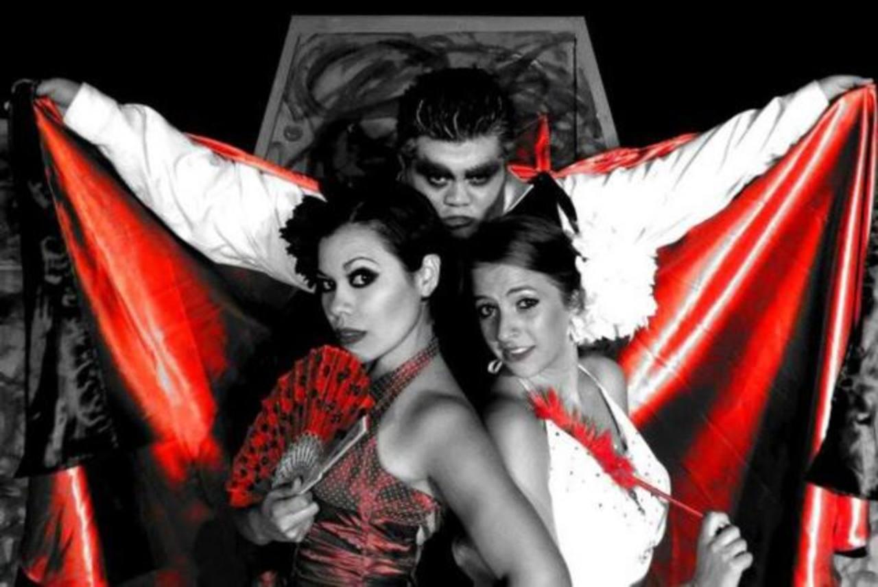 Una nueva obra de teatro aborda la historia del vampiro más famoso de la historia con un peculiar toque de la compañía teatral.