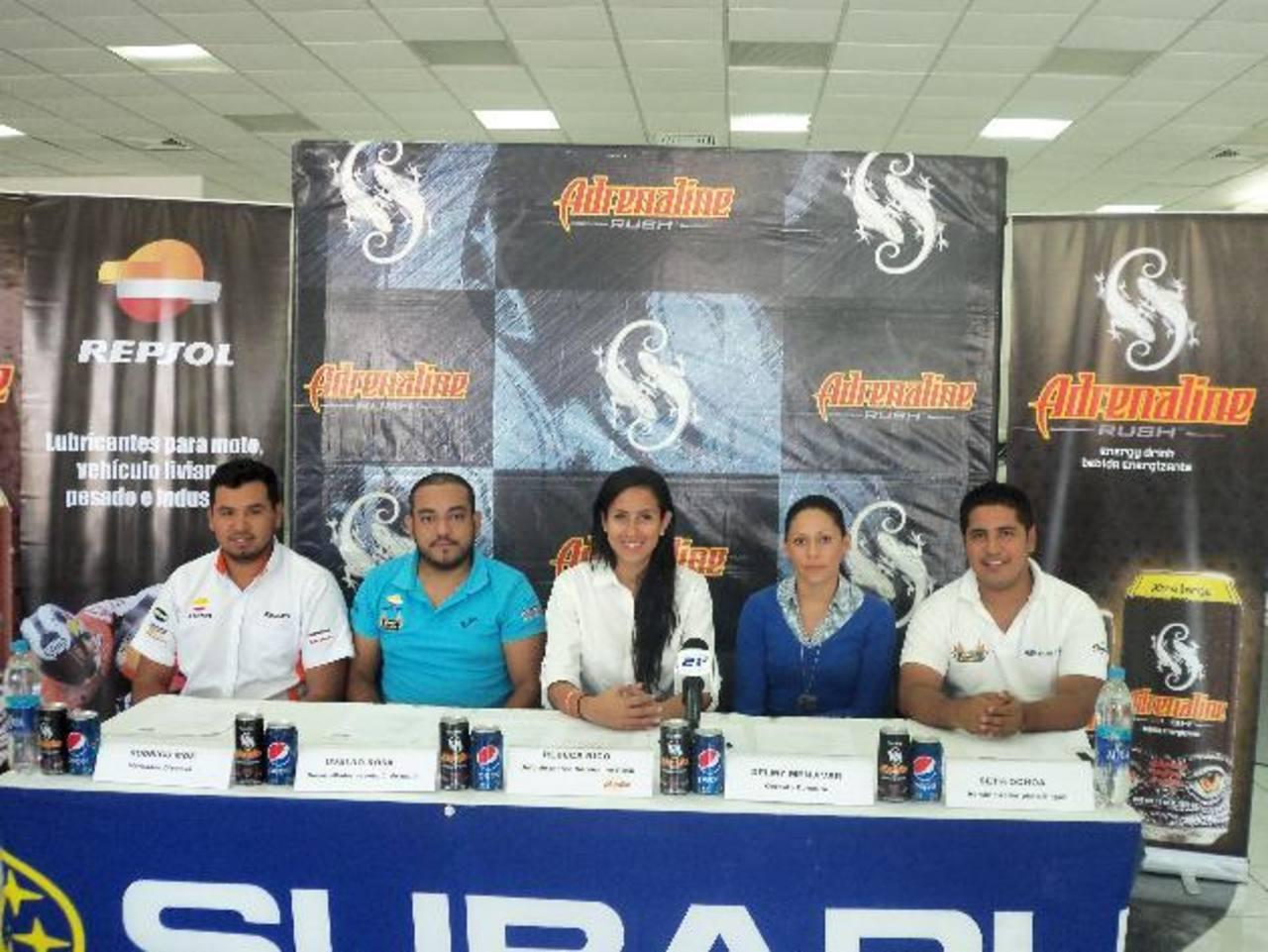 Durante la conferencia de prensa, los representantes invitaron a disfrutar de la carrera.