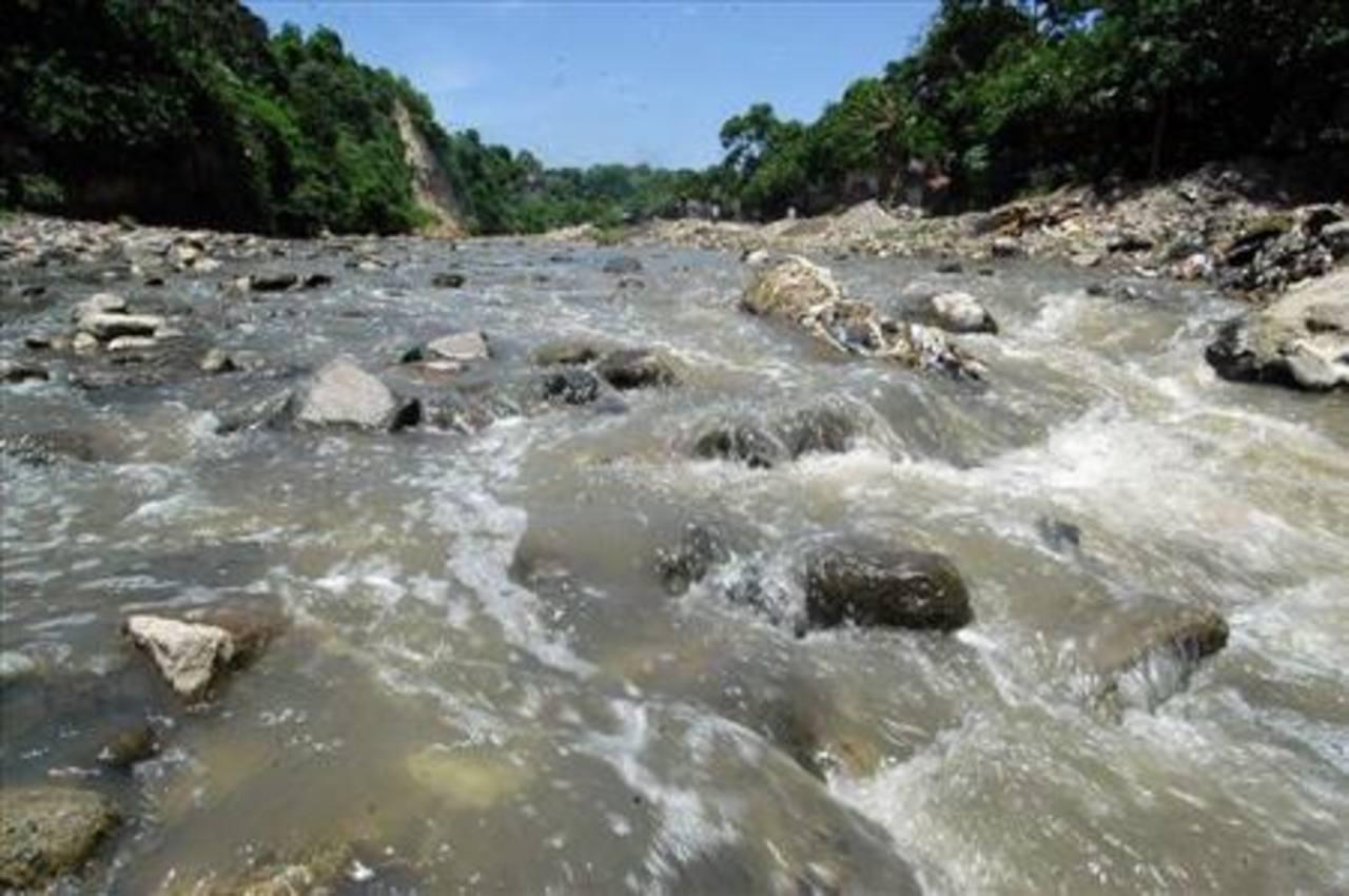 Francia dona $1.4 millones a El Salvador para proyectos ambientales