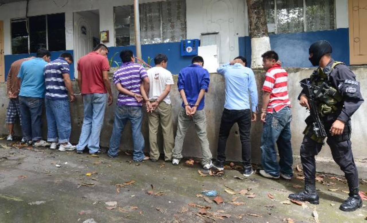 Un operativo en San Marcos y Panchimalco terminó con nueve capturas por homicidio y extorsión. Foto EDH / MAURICIO CÁCERES.